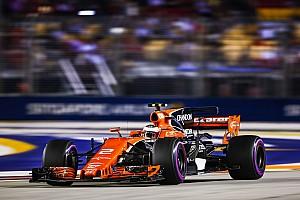 Forma-1 Motorsport.com hírek A leglátványosabb képek Szingapúrból: Vettel tarolt szombaton a Ferrarival