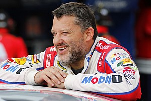 NASCAR Cup Interview Despite stolen phone, still plenty of humor from Stewart at Homestead