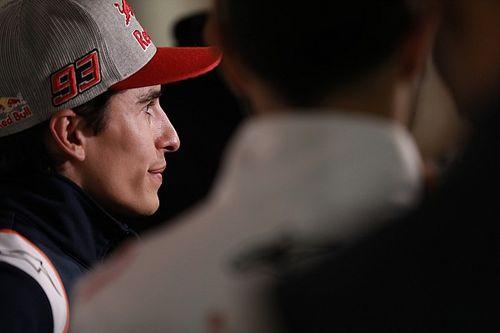Márquez busca en Madrid soluciones a su lesión en el brazo
