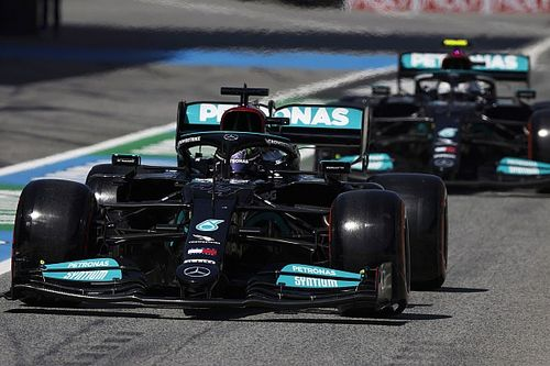 Mercedes explains decision to start Spanish GP on soft tyres
