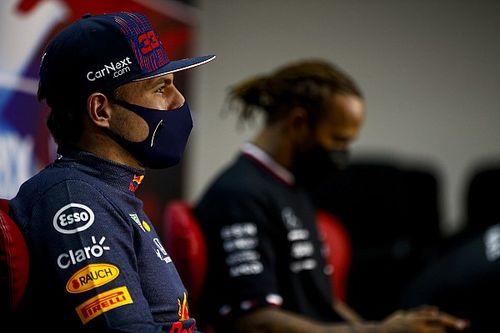 Verstappen se moque d'être celui qui détrônera Hamilton