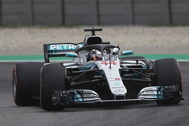 Mercedes спростувала чутки про вплив на шини Pirelli