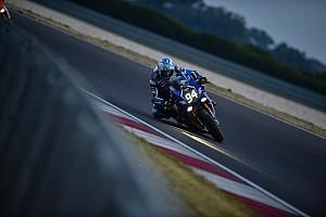 FIM Resistencia Crónica de Carrera El Yamaha GMT94 de Checa gana en Eslovaquia y se pone a un punto del líder