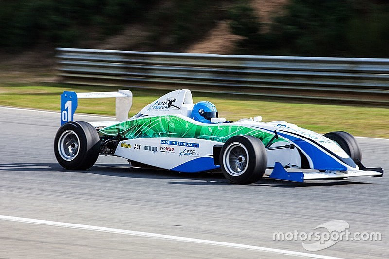 Formulino E, single-seater junior elektrik pertama di dunia