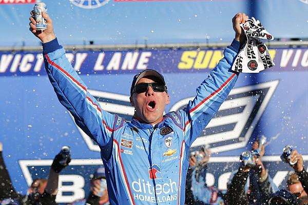 NASCAR Cup Harvick  vence en Loudon y sigue en el Chase