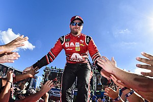 NASCAR Cup Breaking news Dale Earnhardt Jr. honored at 2017 NASCAR Awards in Las Vegas