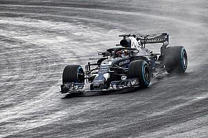 Nieuwe Red Bull RB14 maakt eerste meters op nat Silverstone