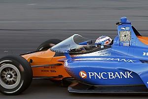 IndyCar Motorsport.com hírek Tesztelés közben a szélvédővel ellátott IndyCar versenygép