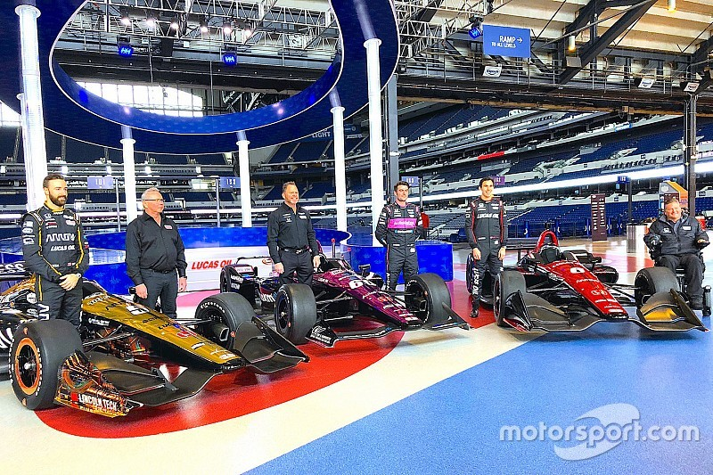 Schmidt Peterson Motorsports unveils 2018 IndyCar liveries