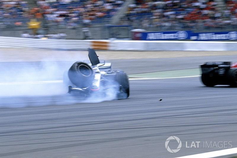 Відео: найдивовижніші аварії Ф1