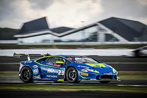 Lamborghini Super Trofeo Gara Postiglione e Cecotto dominano Gara 1 a Silverstone