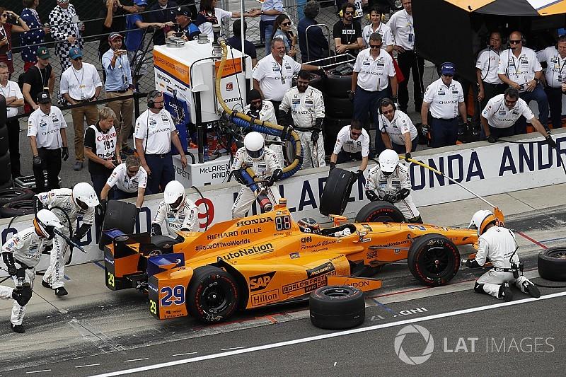 Alonso ganha 300 mil dólares na Indy 500 mesmo abandonando