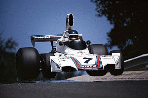 Újabb egészen szenzációs képek a motorsport világából: Senna és a többiek