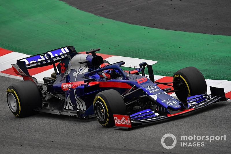 Kvyat supera a Raikkonen para ser el mejor del tercer día de pruebas