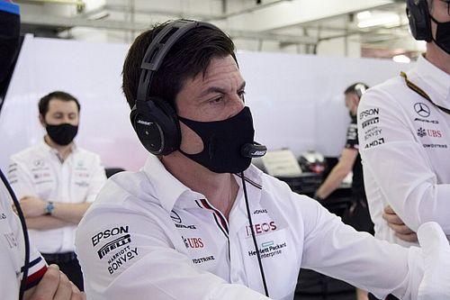Por qué se escuchó por TV el mensaje de Toto Wolff a la FIA