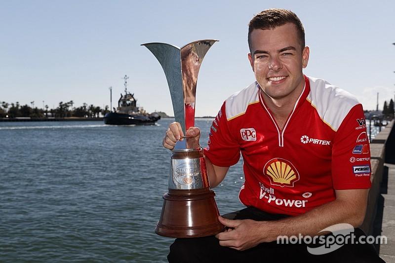 Маклафлин наполнил чемпионский кубок Supercars наггетсами из «Макдональдса»