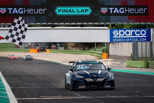 Azcona代表Cupra车队赢得Pure ETCR电动房车赛揭幕站冠军