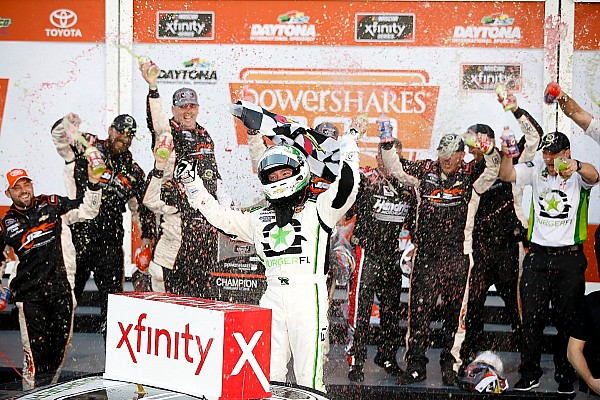 NASCAR XFINITY Após cinco prorrogações, Reddick vence abertura da Xfinity
