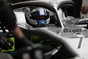Hamilton espera a un Bottas