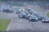 Жесткая авария в Монце и идеальная съемка дрифта: лучшее гоночное видео уик-энда