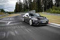 Porsche bate el récord de una berlina en el Nordschleife