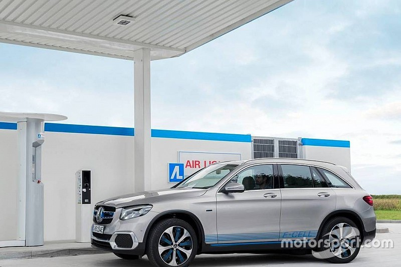 Mercedes-Benz почав поставки водневих кросоверів GLC F-Cell