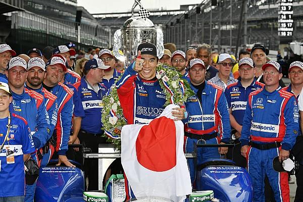 IndyCar Galería: la celebración del único japonés que ganó en Indy 500