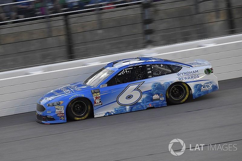 Kenseth centra la pole position alla All-Star Race di Charlotte