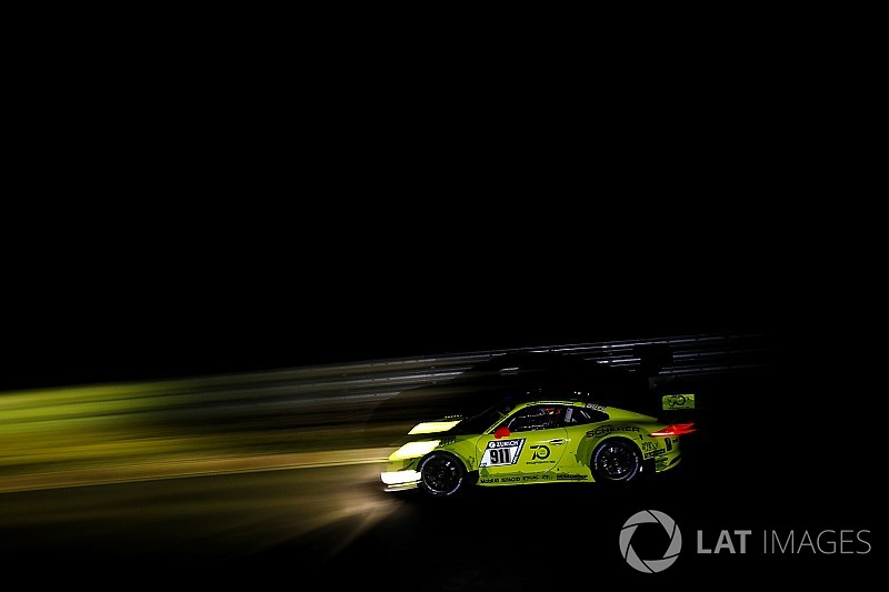 Nurburgring 24h: Race-leading Porsche crashes out