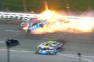 NASCAR Cup Новость У пострадавшего в аварии гонщика NASCAR обнаружили перелом позвонка