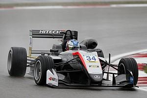 F3-Euro Reporte de calificación Hughes e Ilott saldrán desde la pole en las dos carreras de mañana de la F3