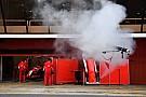 A füstölgő Ferrari, amire mindenki felkapja a fejét az F1-es teszten