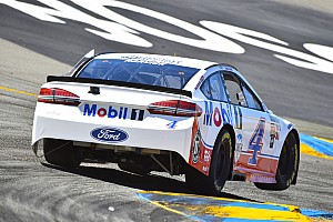 NASCAR Cup Gara Prima vittoria stagionale per Kevin Harvick a Sonoma