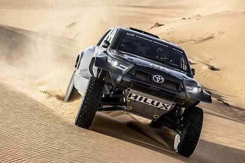 Toyota: ecco svelata la nuova Hilux per la Dakar 2022