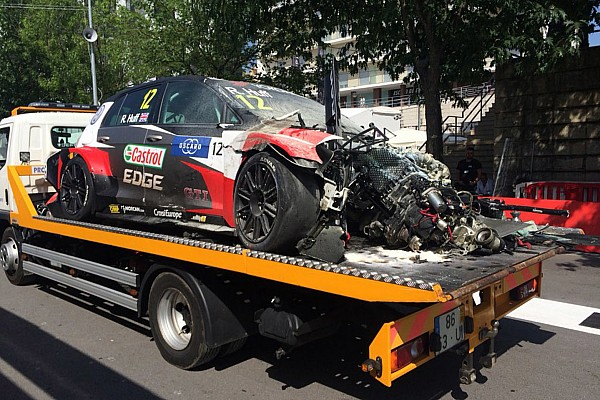 Portugal WTCR: First race halted by huge crash