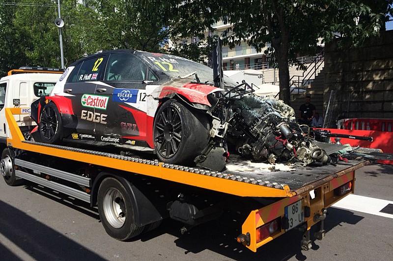 Wagens Huff en Bennani compleet verwoest in Vila Real-crash