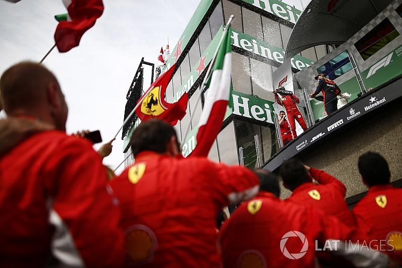 """Chefe pede para Ferrari """"manter pés no chão"""" após vencer"""