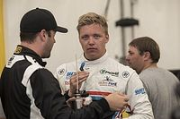 دبليو تي سي آر: إهرلاشير يتقدّم ثنائية هوندا في السباق الأوّل في المجر