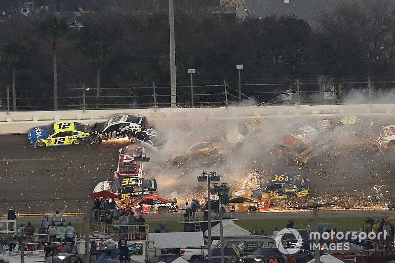 Daytona 500 crash reminded Almirola of back-breaking shunt