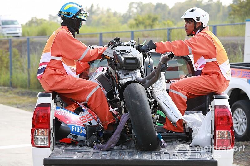 In beeld: De overblijfselen van Lorenzo's GP18 na zware crash in Thailand