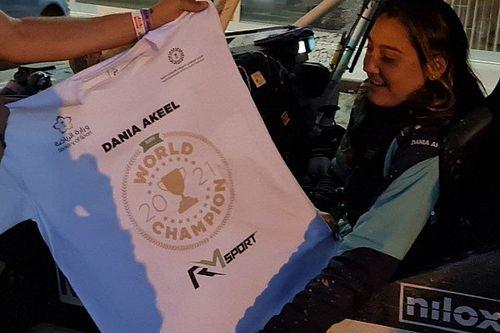"""دانية عقيل... أوّل سائقة سعودية وعربية تُحرز لقب كأس العالم للباها """"تي3"""""""