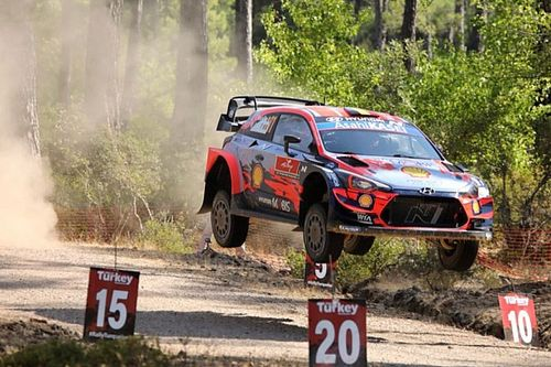 WRC, Rally Turchia, PS1: Neuville al top, tripletta Hyundai