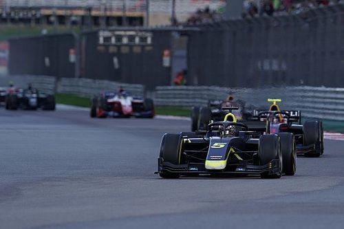 Formel 2 in Sotschi 2021: Dan Ticktum gewinnt Sprintrennen