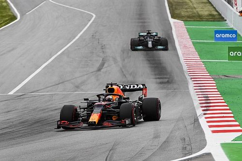 Verstappen felt like 'sitting duck' against Hamilton in Spain fight