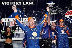 NASCAR Sprint Cup Crónica de Carrera Brad Keselowski gana en Atlanta en un final dramático