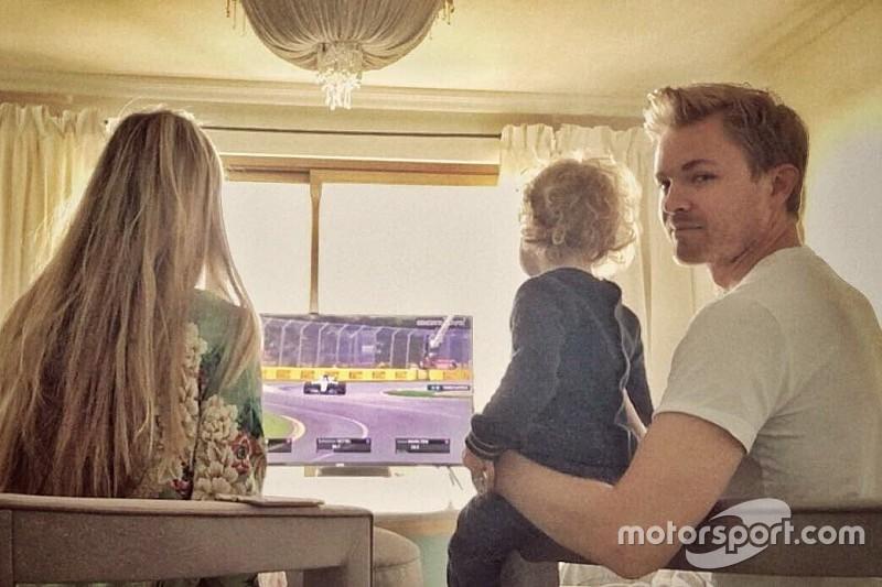 Rosberg observa la F1