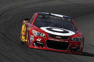 NASCAR Sprint Cup Crónica de Clasificación Larson vence a Truex para lograr la pole en Michigan