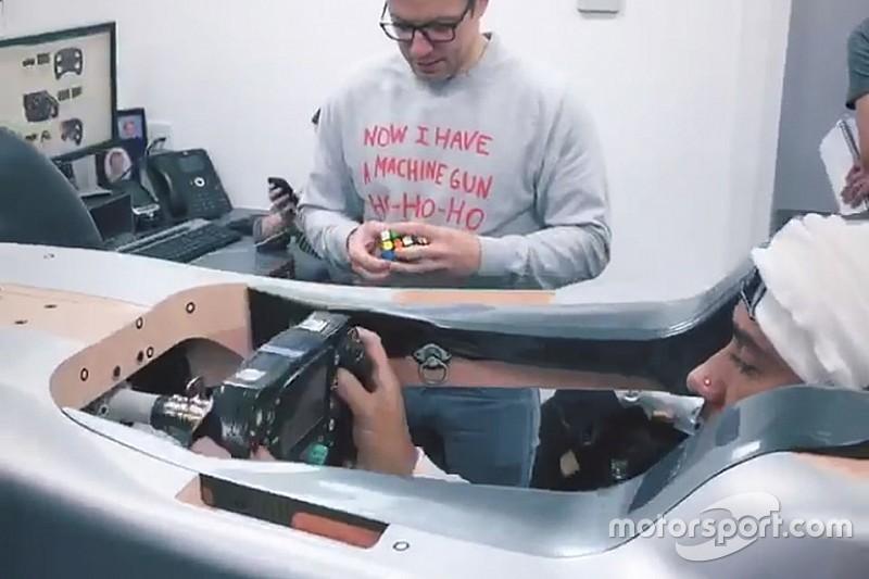 Mercedes desvela cómo prepara Hamilton su asiento para 2019