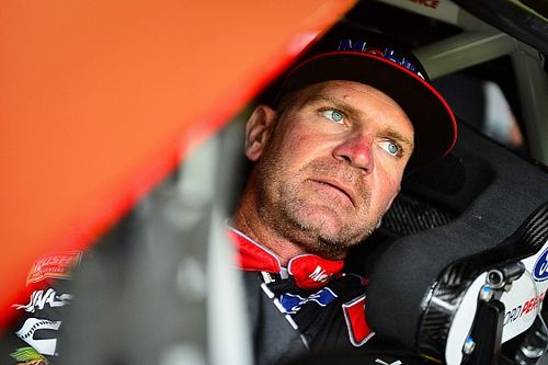 "Bowyer calls Dillon's block ""foolish"" after 17-car wreck"