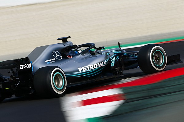Mercedes décrit une W09